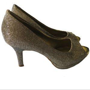 Bandolino Gold Sparkly open-toe Pumps heels 7